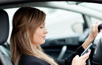 در تصادفات جاده ای مرگ زنان جوان بیشتر از مردان