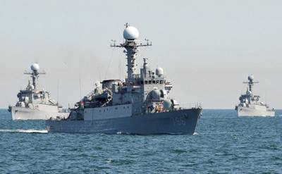 Russian and South Korean naval exercises