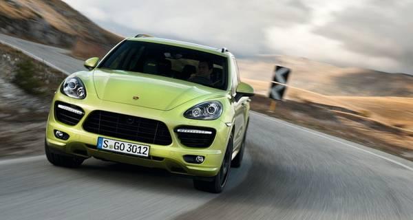 قیمت خودروهای بالای ۲۵۰۰ سیسی/ پراید گران شد