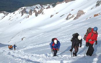 احتمال سقوط بهمن / هشدار به کوهنوردان: صعود نکنید