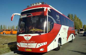 آتش سوزی اتوبوس اسکانیا در رشت حوالی دانشگاه گیلان