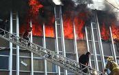فیلم و تصاویر حادثه آتش سوزی خیابان جمهوری / ۱۸+