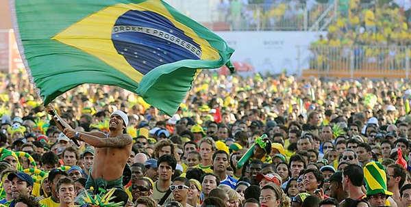 با گرانی بليت هواپيماهای جام جهاني ۲۰۱۴ مقابله می کنیم