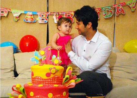 عکس جشن تولد دختر شاهرخ استخری