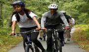 تفریح و دوچرخه سواری اوباما با دخترانش + عکس