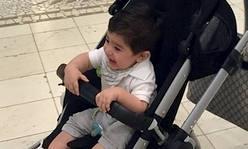 مجتبی جباری به همراه فرزندش در قطر