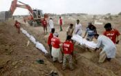 عکس / دفن دسته جمعی زائران ایرانی در عربستان (شایعه)