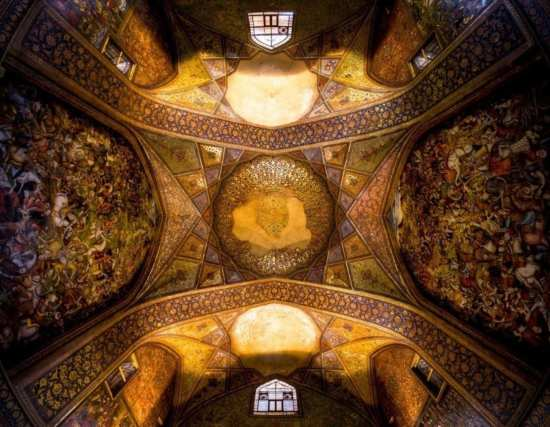 توهین 2 زن ایتالیایی به ایران / ایران فاقد تاریخ و مناظر دیدنی