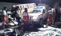 تصادف کامیون با اتوبوس در قم / 30 کشته و زخمی