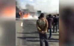 فیلم / انفجار و آتش سوزی کامیون جاده یزد به داراب