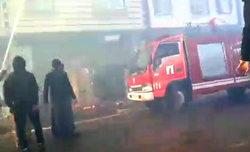 عکس و فیلم / آتش سوزی چندین منزل مسکونی در لاهیجان